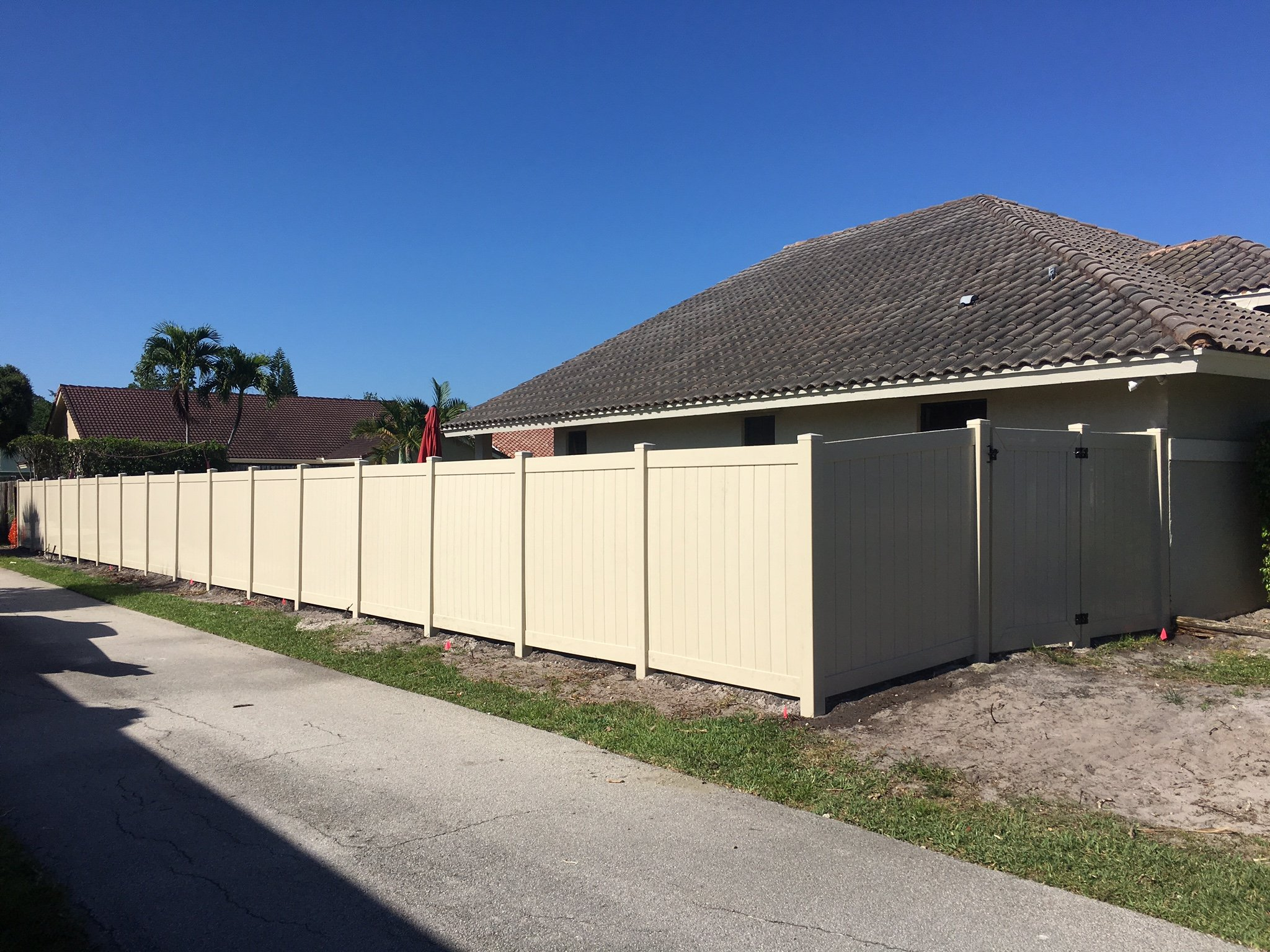 commercial fence installation Jacksonville FL